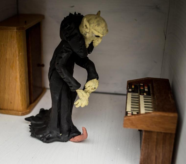 Halloween Diorama 8